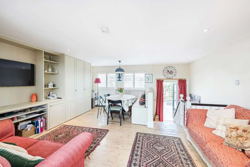 3 Bedrooms Maisonette Flat for sale in New Kings Road, Putney Bridge, Fulham, London, SW6