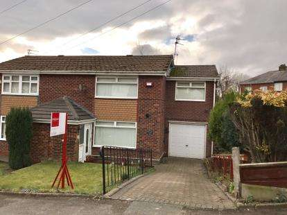 3 Bedrooms Semi Detached House for sale in Sandringham Avenue, Stalybridge, Greater Manchester