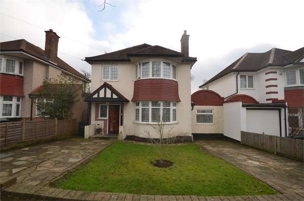 4 Bedrooms Detached House for sale in Sunbury Avenue, LONDON