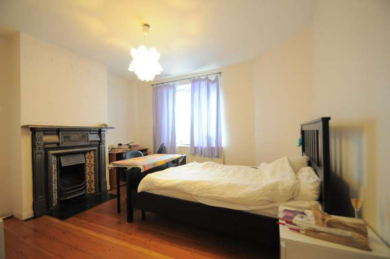 2 Bedrooms Flat for sale in Cowley Road, London, SW9 6HJ