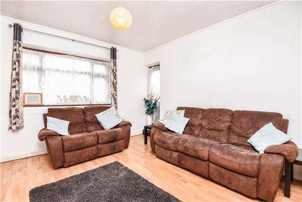 2 Bedrooms Flat for sale in Poynders Gardens, LONDON, SW4