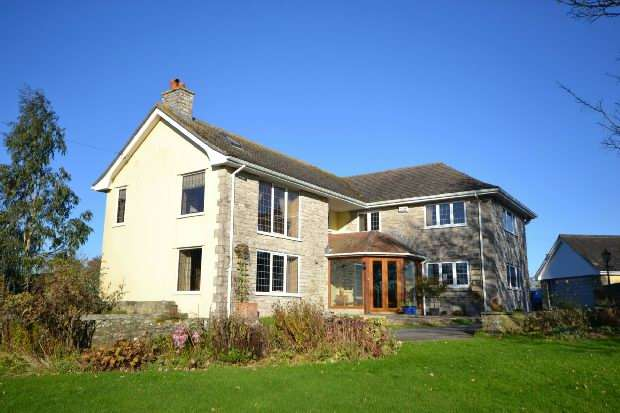 4 Bedrooms Detached House for sale in Cann