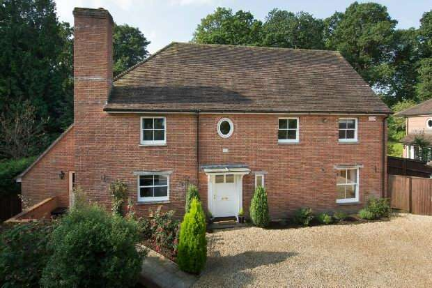 6 Bedrooms Detached House for sale in Alderbury