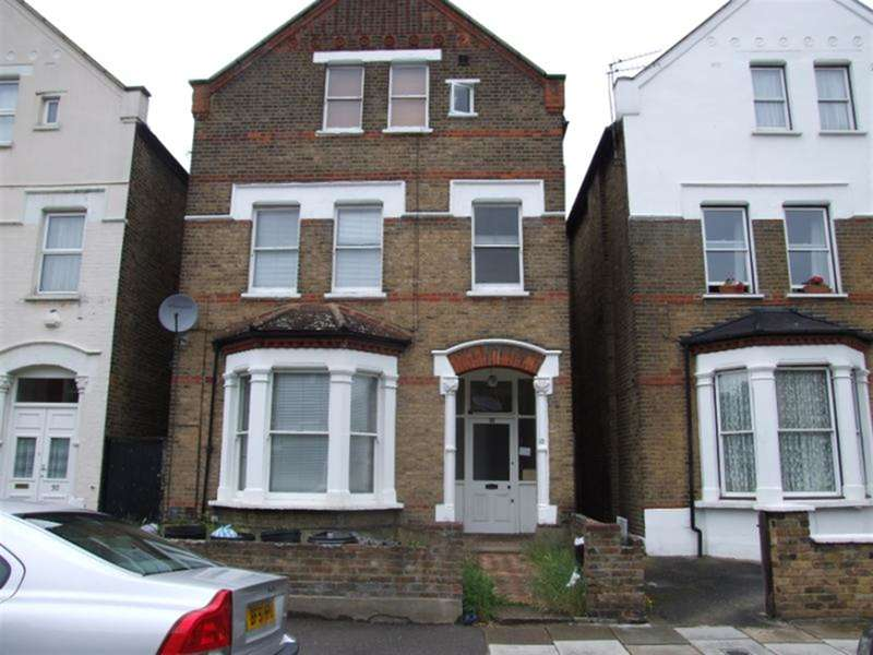 1 Bedroom Studio Flat for sale in Albany Road, Flat 8, Ealing, W13 8PG