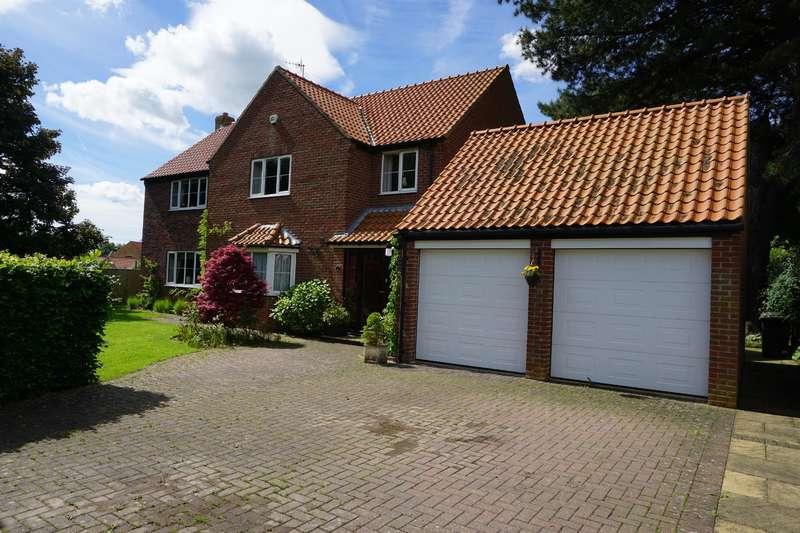 5 Bedrooms Detached House for sale in West Acres Close, West Ayton, North Yorkshire, YO13 9LJ