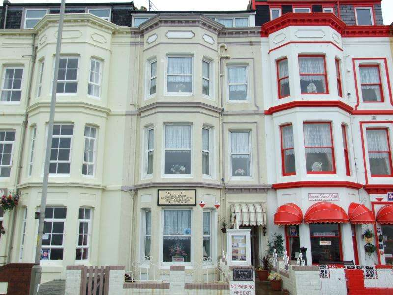 12 Bedrooms Commercial Property for sale in Rutland Terrace, Queens Parade, Scarborough, YO12 7JB