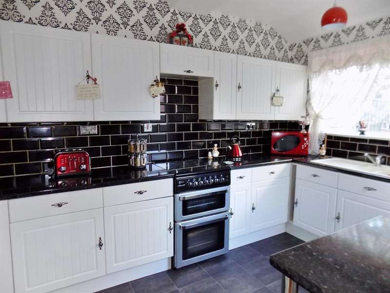 3 Bedrooms Terraced House for sale in West Lane, Middlesbrough, TS5 4EJ