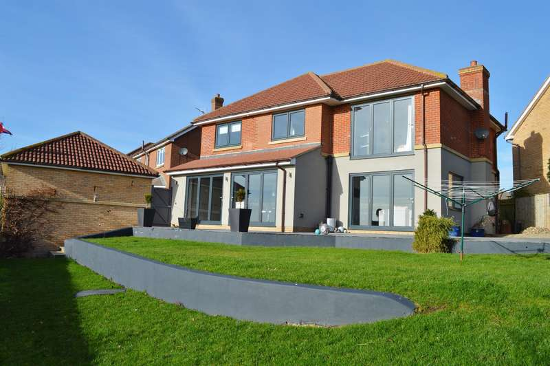 4 Bedrooms Detached House for sale in Washford Close, Ingleby Barwick, Stockton-on-Tees, TS17 0FY
