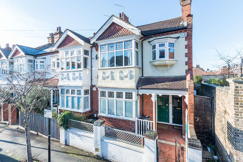 3 Bedrooms Apartment Flat for sale in Beverstone Road, Brixton, SW2