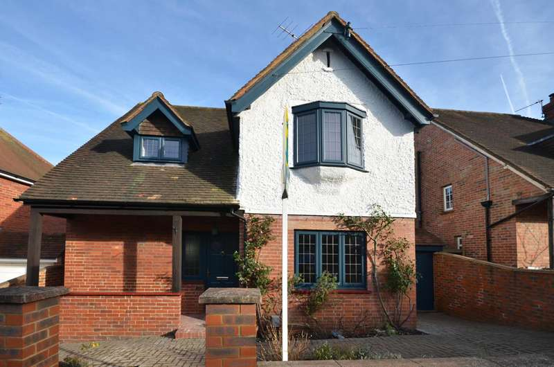 3 Bedrooms House for sale in Bray Road, Guildford, GU2