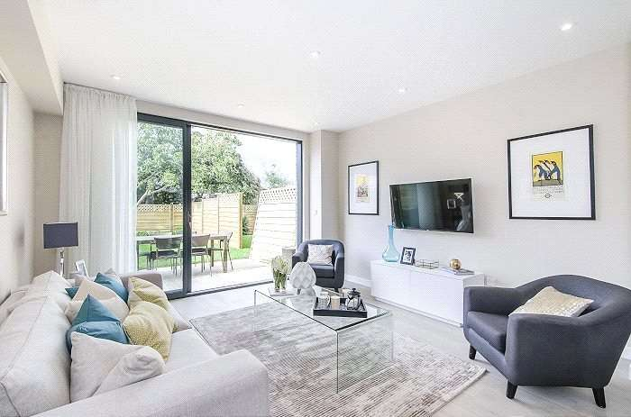 4 Bedrooms Terraced House for sale in Woodland Way, Mitcham, CR4