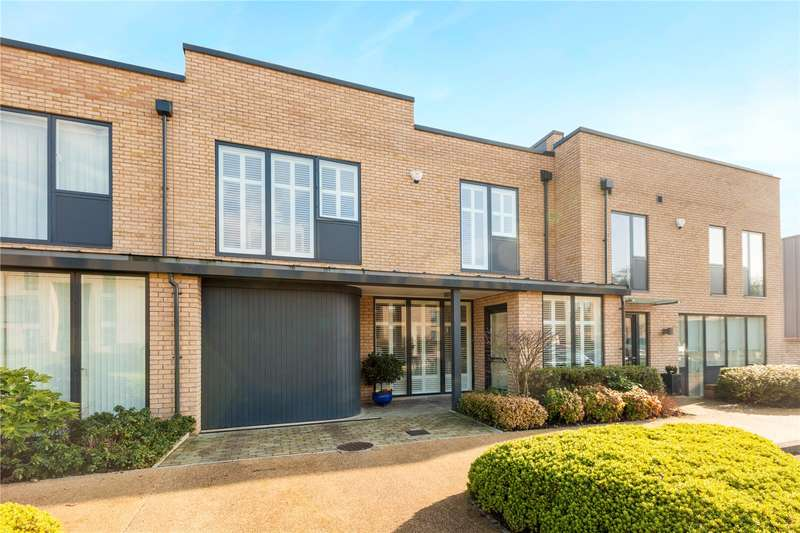 2 Bedrooms Terraced House for sale in Cliveden Gages, Taplow, Maidenhead, Buckinghamshire, SL6