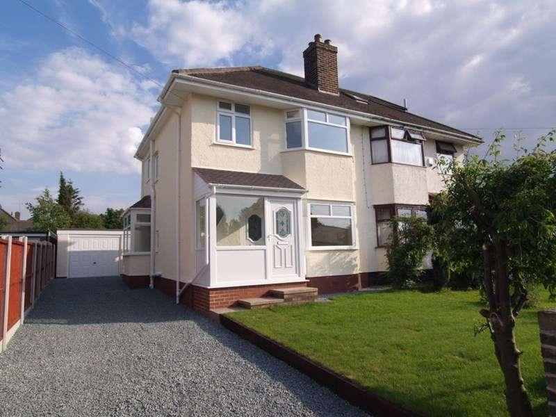 3 Bedrooms Semi Detached House for rent in Laburnum Grove