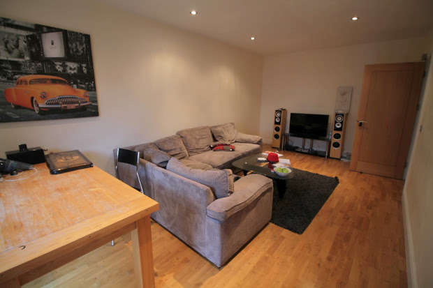 2 Bedrooms Apartment Flat for sale in High Street, Cardiff, CF10