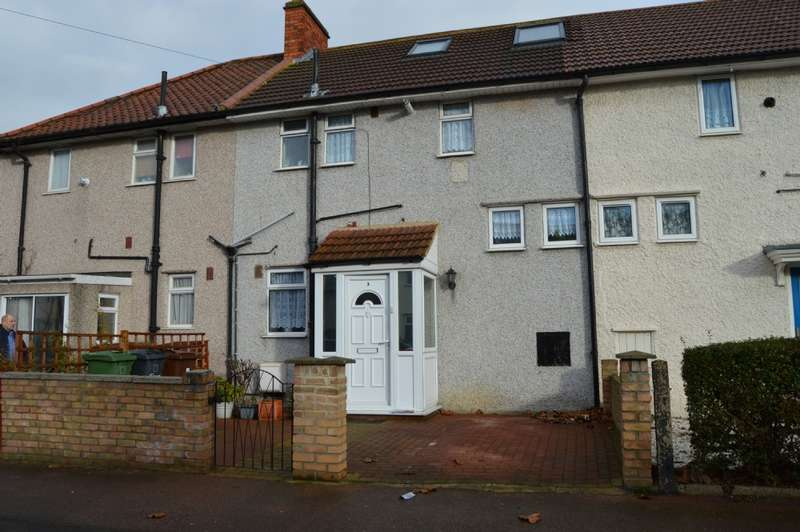 3 Bedrooms Terraced House for sale in Bushgrove Road, Dagenham