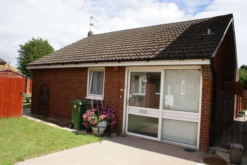 2 Bedrooms Detached Bungalow for sale in Caspian Close, St. Mellons, Cardiff
