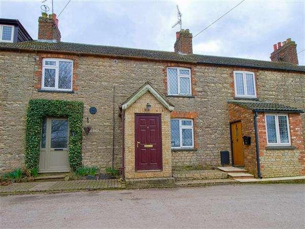 2 Bedrooms Terraced House for sale in Hill Top, Little Harrowden