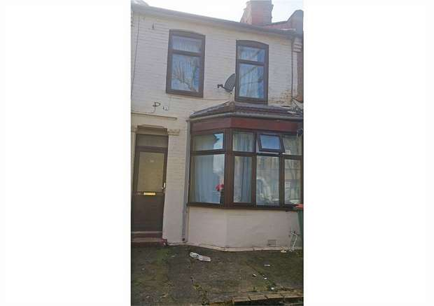 3 Bedrooms Terraced House for sale in Landseer Avenue, London