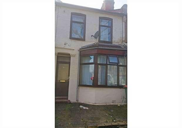 3 Bedrooms Terraced House for sale in Landseer Avenue, London