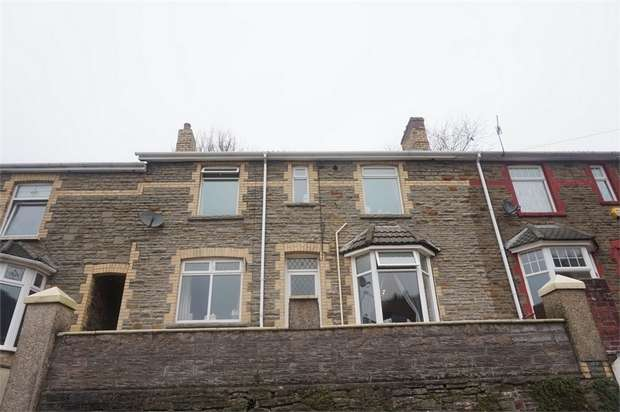 3 Bedrooms Terraced House for sale in Gladstone Road, Crumlin, NEWPORT, Caerphilly