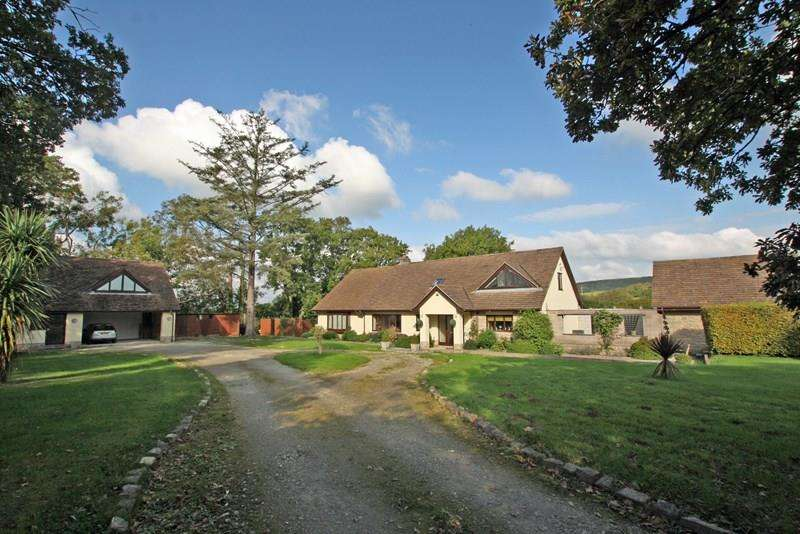 4 Bedrooms Detached House for sale in Valley Road, Corfe Castle, Wareham