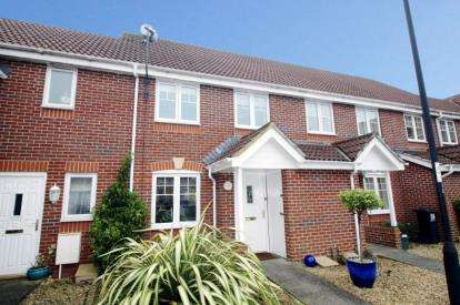 2 Bedrooms Terraced House for sale in Britton Gardens, Kingswood, Bristol