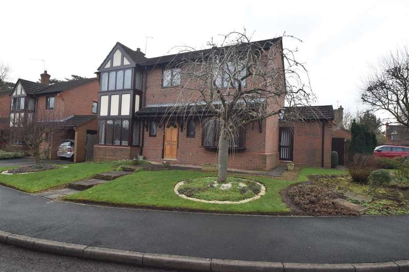 4 Bedrooms Property for sale in St. Augustines Close, Droitwich