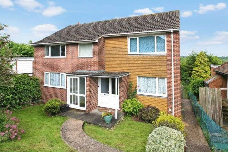 2 Bedrooms Flat for sale in Hatters Lane, High Wycombe