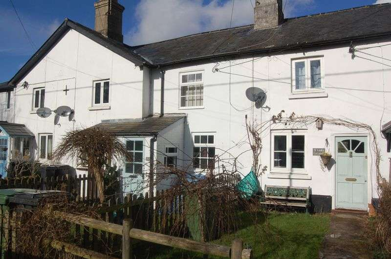 2 Bedrooms Terraced House for sale in A gorgeous two bedroom cottage with charm and character
