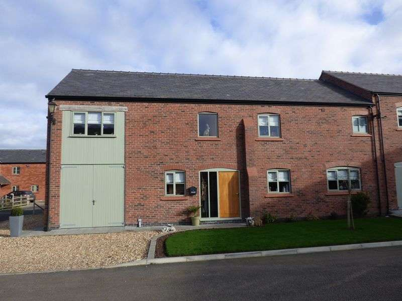5 Bedrooms Semi Detached House for sale in Cranshaw Lane, Widnes