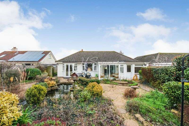 3 Bedrooms Detached Bungalow for sale in Lady Park Road, Torquay