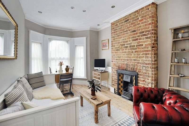 2 Bedrooms Flat for sale in Langton Road, Worthing