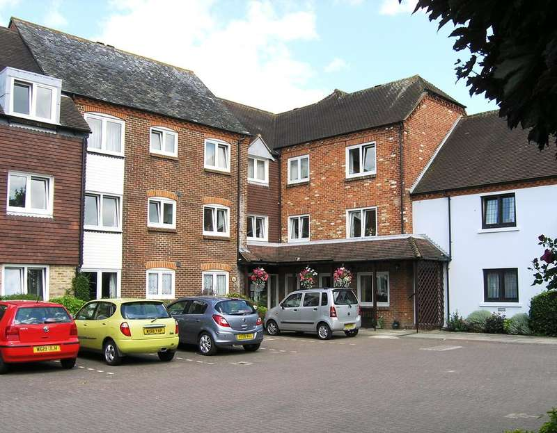 2 Bedrooms Retirement Property for sale in The Maltings, Henty Gardens, Chichester PO19