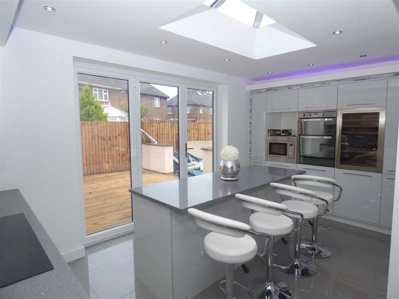 3 Bedrooms Semi Detached House for sale in Tarbock Road, Huyton, Liverpool