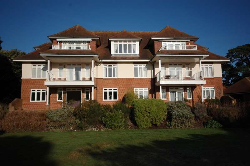 3 Bedrooms Ground Flat for sale in Baronscroft, 4 Milner Road, West Overcliff, Bournemouth BH4