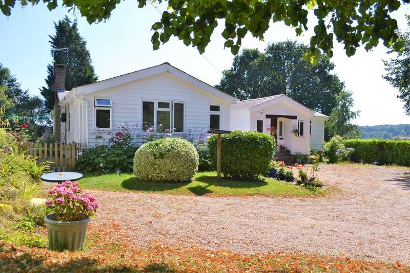 3 Bedrooms Detached Bungalow for sale in Beckley, East Sussex, Beckley TN31