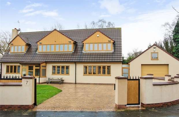 4 Bedrooms Detached House for sale in Ladypool, Hale Village, Liverpool, Lancashire