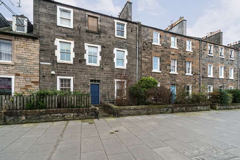 2 Bedrooms Flat for sale in Annfield, Newhaven, Edinburgh, EH6 4JF