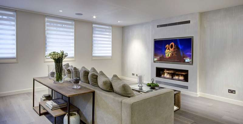 3 Bedrooms Apartment Flat for sale in Queen Anne Street, Maryleone W1