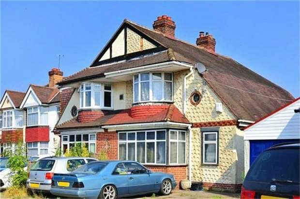 3 Bedrooms Semi Detached House for sale in Ewell by Pass, Epsom, Surrey