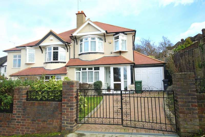 3 Bedrooms Semi Detached House for sale in Strathdale, Streatham, SW16