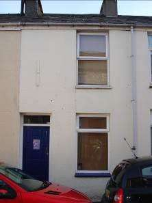 2 Bedrooms Terraced House for sale in Bangor LL57