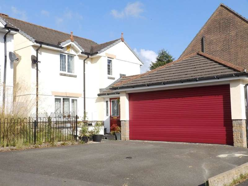 4 Bedrooms Detached House for sale in Henfordh Grange, Liskeard