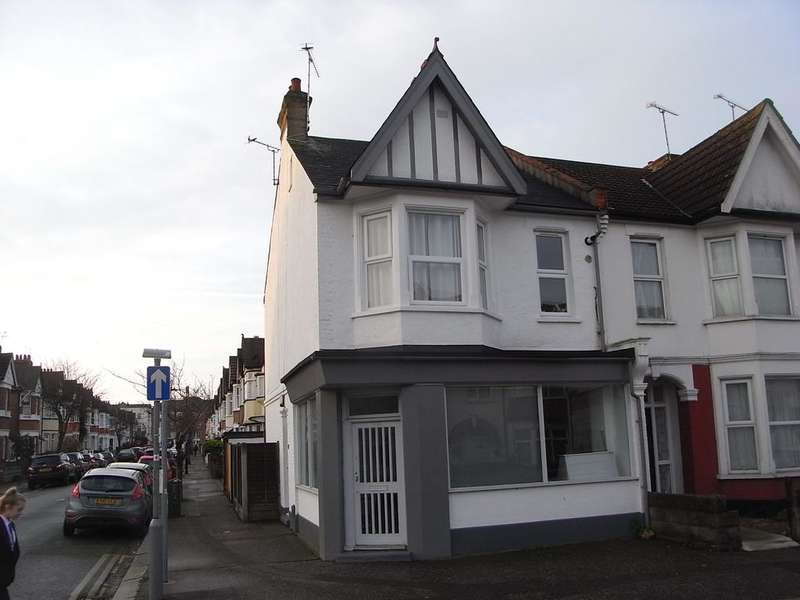 1 Bedroom Flat for sale in Westborough Road, Westcliff on Sea SS0