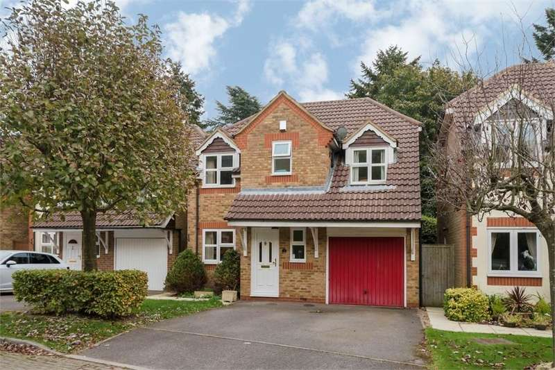 4 Bedrooms Detached House for sale in Lyndon Gardens, High Wycombe, Buckinghamshire