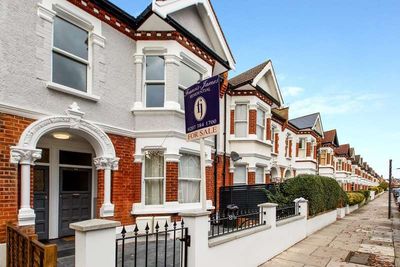 2 Bedrooms Maisonette Flat for sale in Harbord Street, Fulham, London SW6