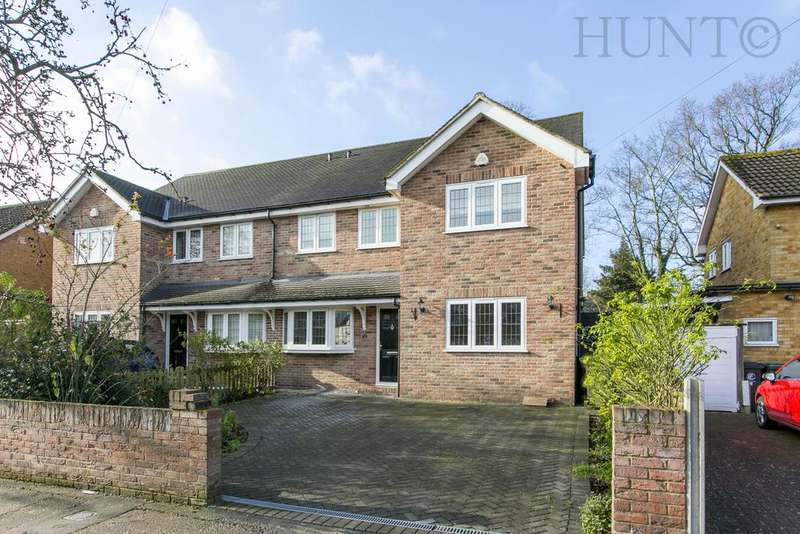 4 Bedrooms Semi Detached House for sale in Lechmere Avenue, Chigwell, Essex IG7