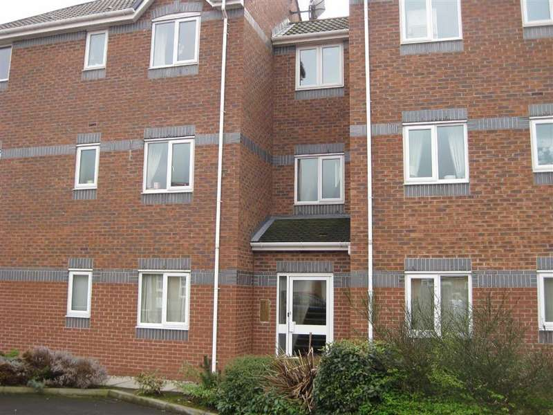 2 Bedrooms Apartment Flat for sale in 20, The Locks Forbays Drive, Irlam, Manchester