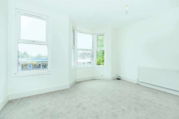 2 Bedrooms Flat for sale in Church Road, London E10