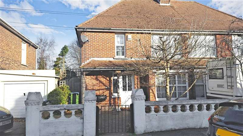 3 Bedrooms Semi Detached House for sale in Clun Road, Littlehampton, West Sussex